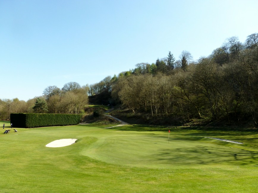 10th Green to Tee